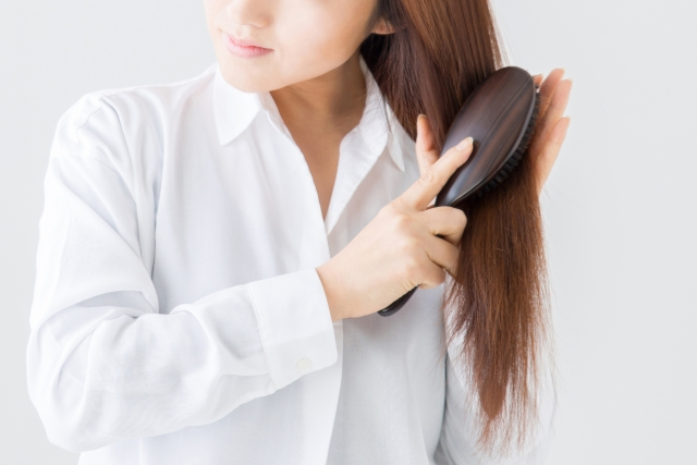 モンゴ流スカルプシャンプーEXは髪にハリ・コシを取り戻して若々しい状態へ導く