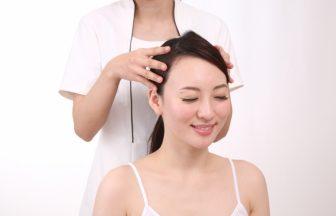 女性の抜け毛・薄毛を予防に最適!頭皮マッサージアイテムをチェック