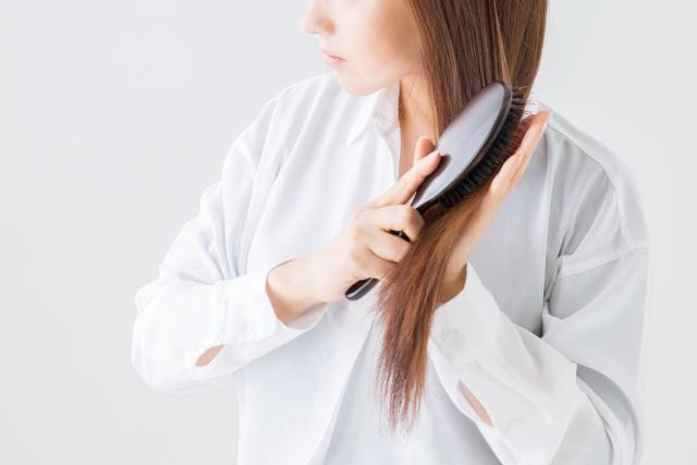 なぜ女性が薄毛に悩まされるの?主な原因は5つ