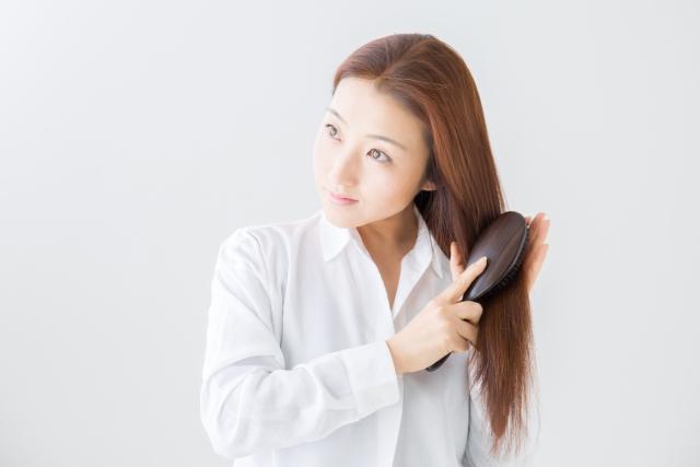 ブラッシングが女性の薄毛・抜け毛対策に!効果的なやり方とは?