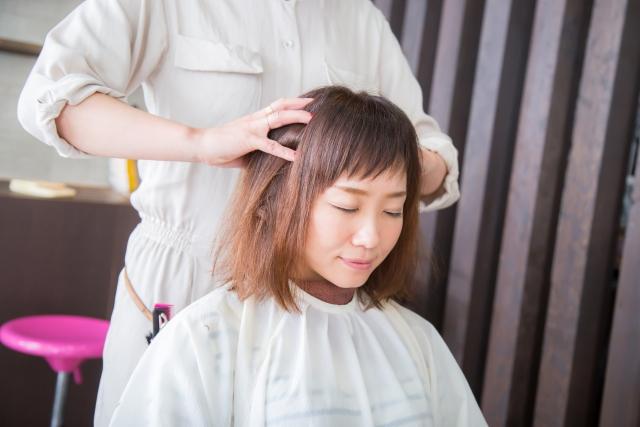 haru 地肌ロールローションは地肌をボールでマッサージできる育毛剤